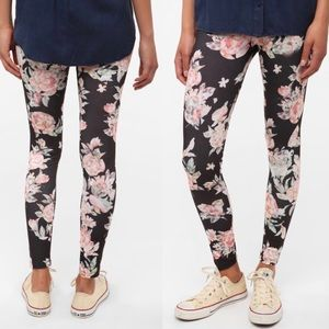 Urban Outfitters | BDG Abstract Floral Leggings